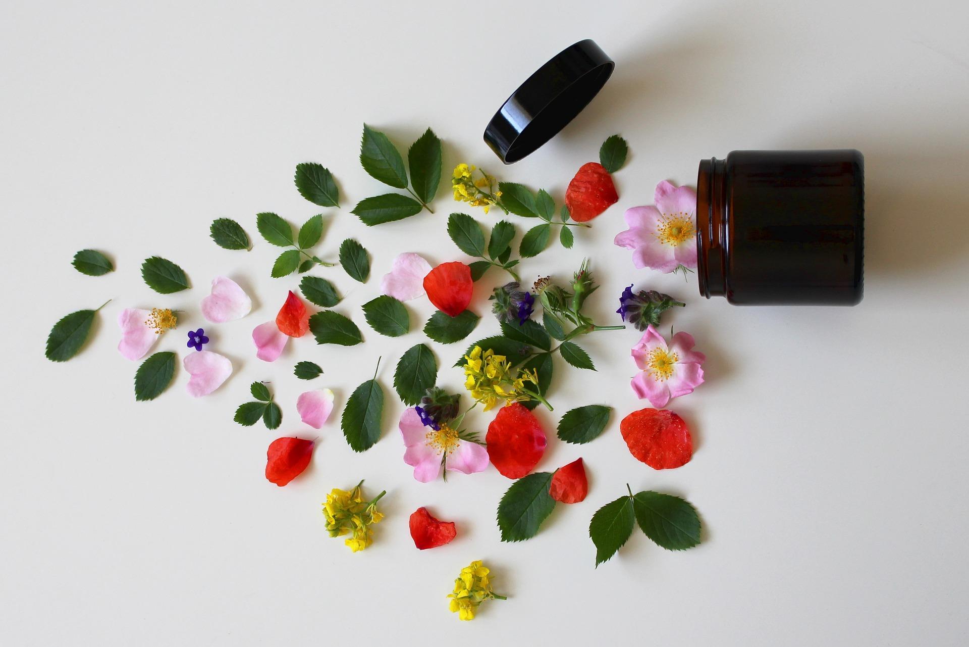 【元美容部員が解説】花粉による肌荒れ対策とおすすめアイテム20選