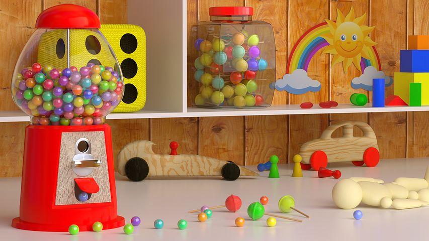 部屋でも運動してる?保育士がおすすめする子どもの室内遊びグッズ!