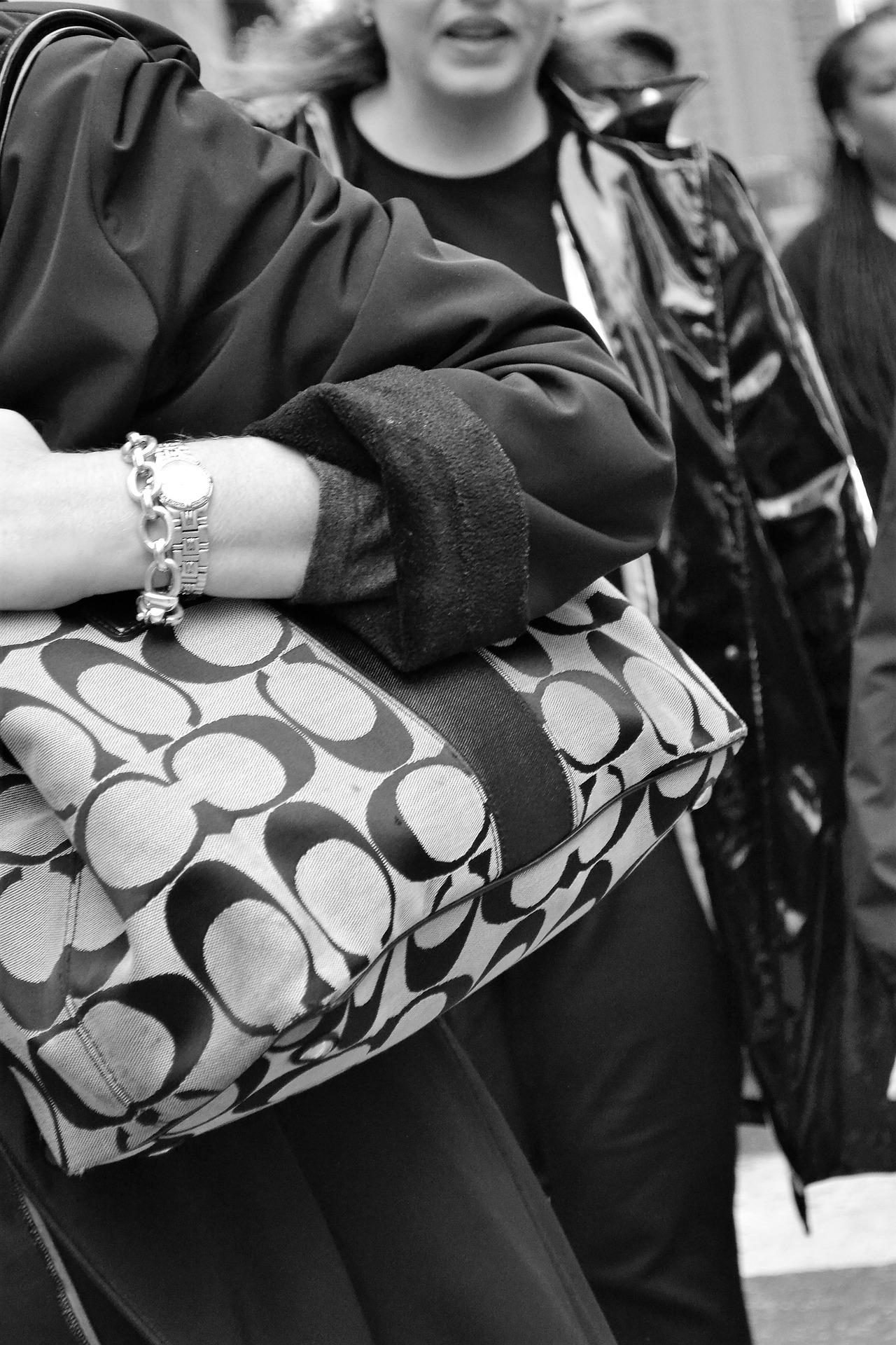 【30代女性に人気】フォーマルレディーストートバッグ15選!通勤バッグに!